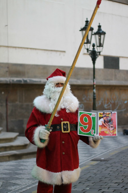 Ho Ho Ho, Santa wants you to get a Thai Massage for only 9.99€.