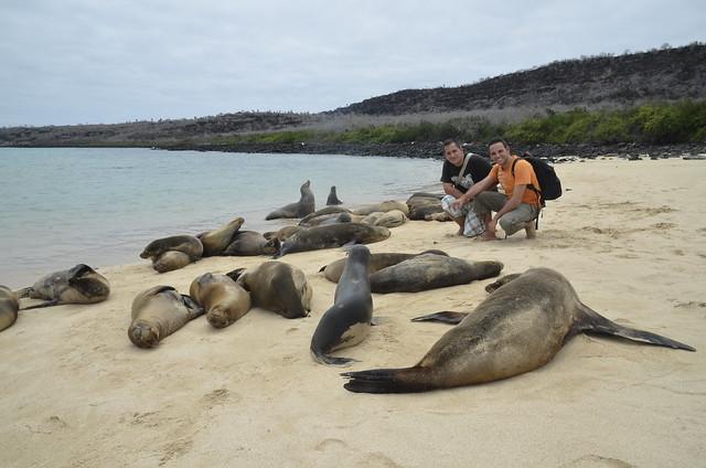 Sele e Isaac Chavetas en islas Galápagos (Ecuador)