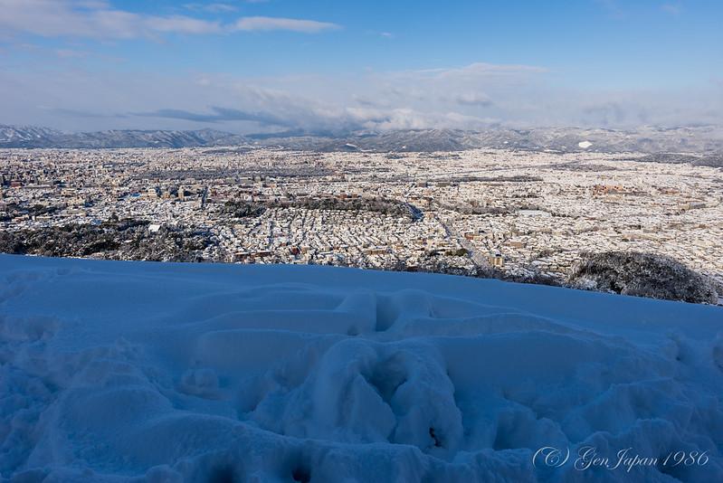 大文字 火床と雪景色