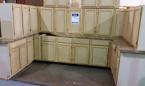 Kitchen Cabinet Set $1050