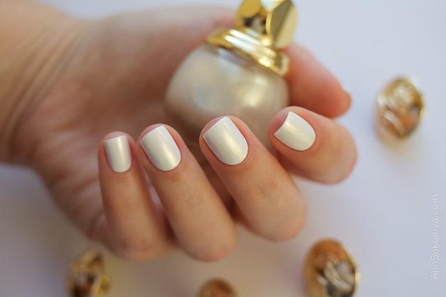 12 Dior Diorific Vernis #022 Mirror over Mavala   White + topcoat