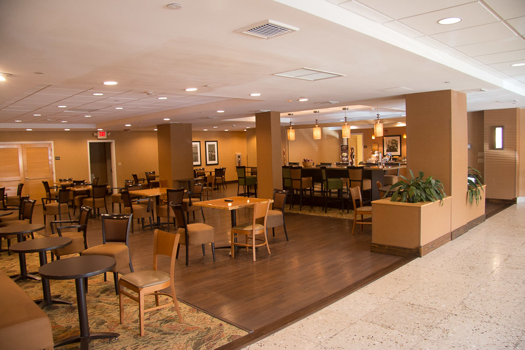 Dining and buffet area at Hampton Inn Key Largo