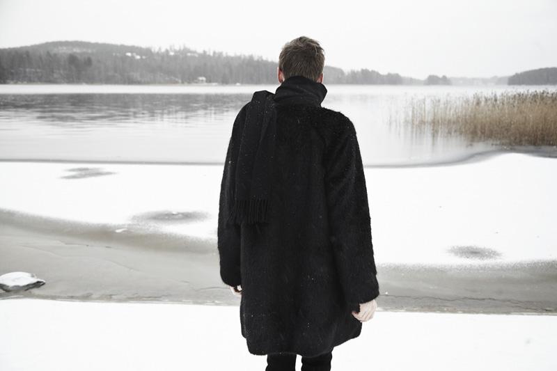 mikkoputtonen_fashionblogger_katriniskanen_furcoat_alexanderwang_allblack_winter_snow_1_web