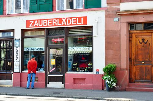Basel Stadttor Spalentor Zauberlädeli Foto Brigitte Stolle