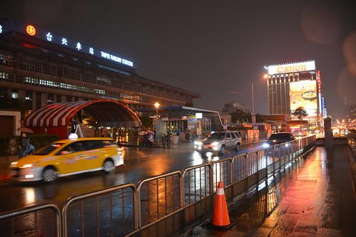 忠孝西路專用道與台北車站