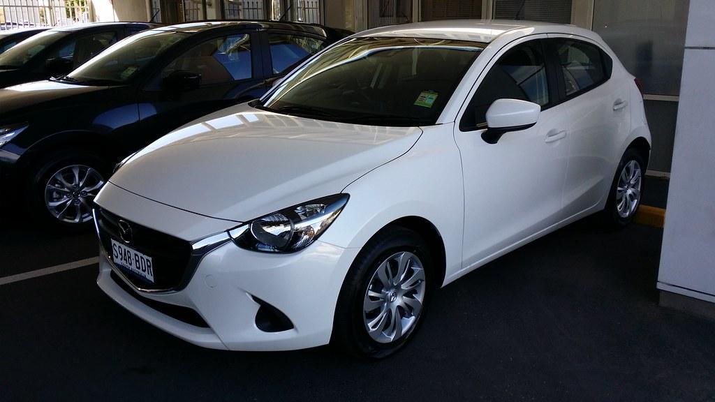 2014 Mazda 2 Neo - Snowflake White