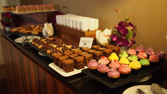 Chocolate hazelnut cake, cupcakes, panna cotta, madeleines...