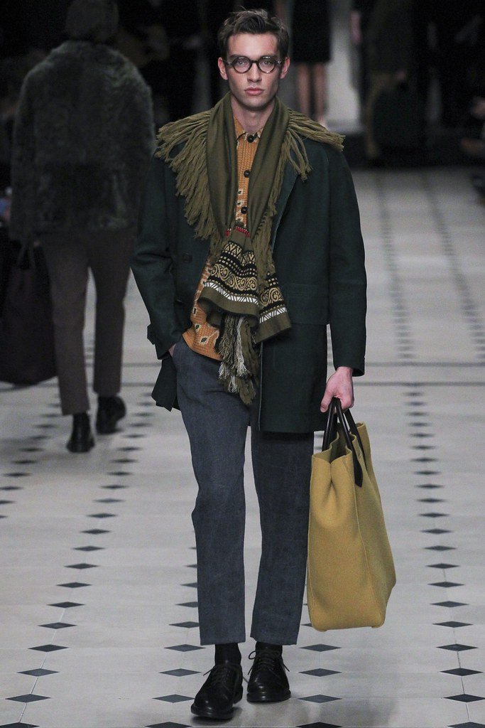 FW15 London Burberry Prorsum003(VOGUE)