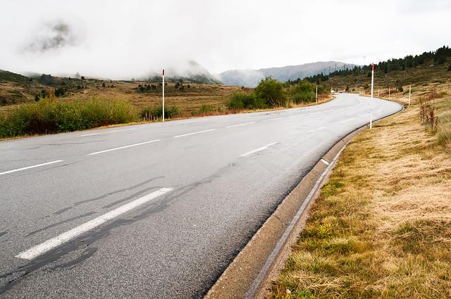 Road to Col de, Nikon D300, AF Nikkor 20mm f/2.8