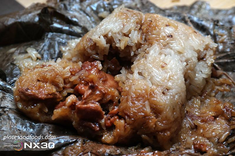 tim ho wan glutinous rice with lotus leaf