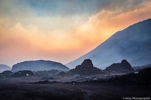 voyage canon volcano spirit tribal southpacific treck volcan vanuatu aventure cendres marum pacifique cratère so2 ambrym mélanésie basalte bembow southpacifiique nirimbuelesu