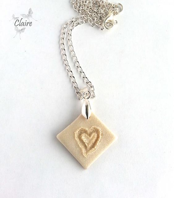 Кулон Сердце на песке 01