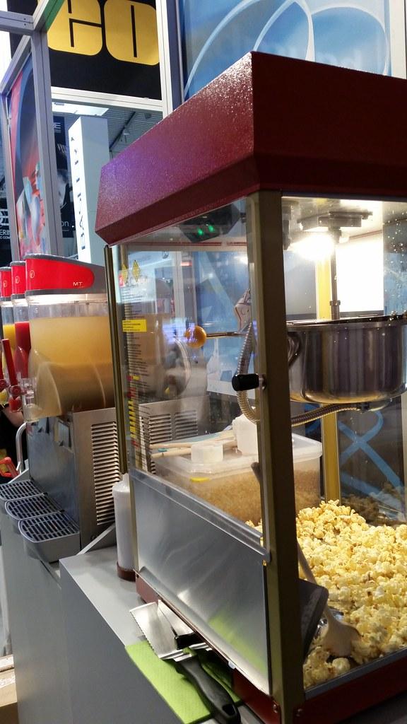 """food Standcatering auf der VisionSTR Messe Stuttgart  110 Liter Tropische Früchte, Erdbeer und Magarita, wahlweise mit Alkohol.  Was bieten wir dem Kunden: Granitor / Slusheis Maschine inkl Pult zur Herstellung von Magarita, Daiquiri und Limes und Slushei • <a style=""""font-size:0.8em;"""" href=""""http://www.flickr.com/photos/69233503@N08/15680500196/"""" target=""""_blank"""">View on Flickr</a>"""