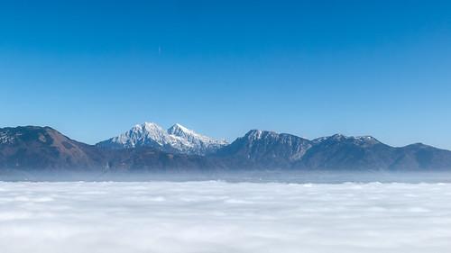 sun mountains tree fog canon landscape amazing great slovenia valley lonely rays sunrays dejan magnificient 2014 lepe gorgeus ozadje fotografija canong15 hudoletnjak dejanh dejanhudoletnjak čudovite