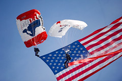 parachute, sports, red, parachuting, windsports, flag of the united states, flag, extreme sport, blue,