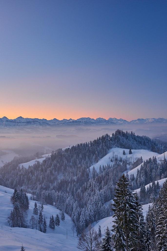 Colorful dawn - Lüderenalp