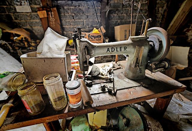 _AS18031 Vintage Adler rustic setting Aaron Sneddon