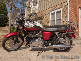 triumph bonneville - val in real life