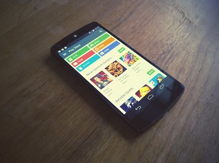 Nexus 5 with Android Lollipop and Materialdesign (Play Store DE)