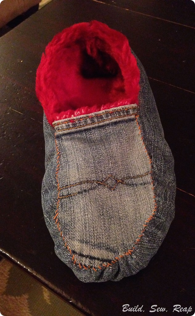 Repurposed Old Jeans into Slippers