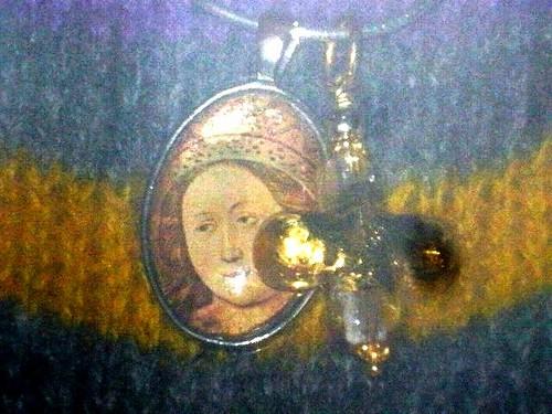 Kreuz und Maria