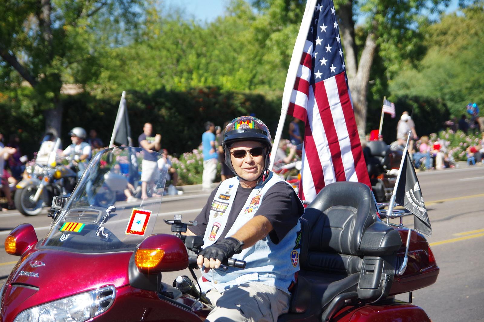 鳳凰城退伍軍人紀念日遊行