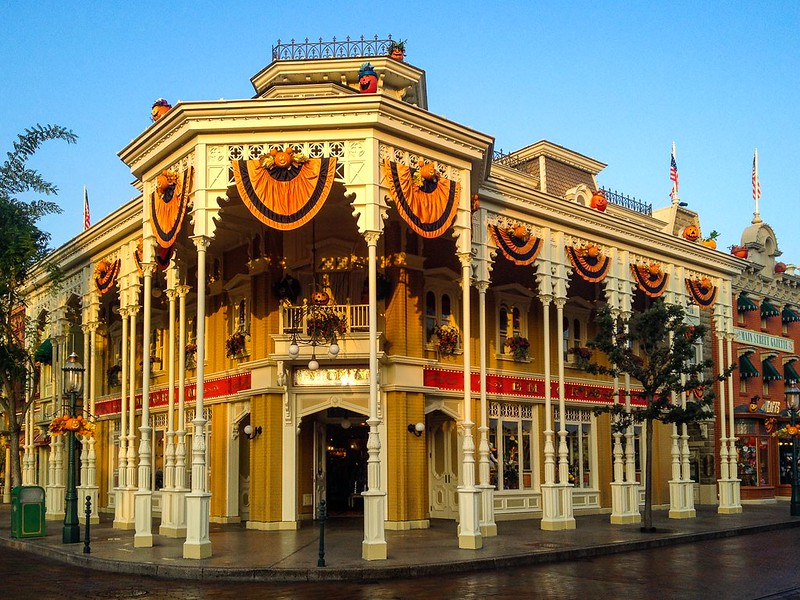 Emporium during Halloween at Disneyland Paris