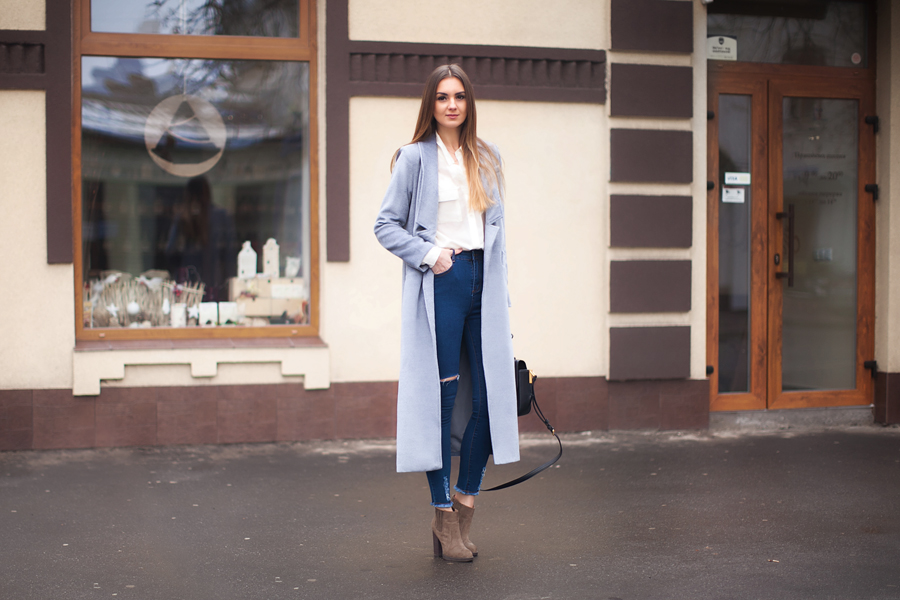 gray-maxi-coat-outfit-street-style
