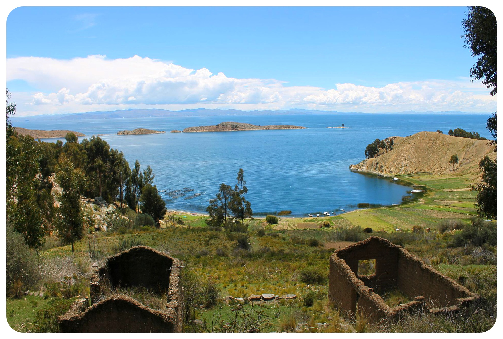 lake titicaca deserted houses ruins
