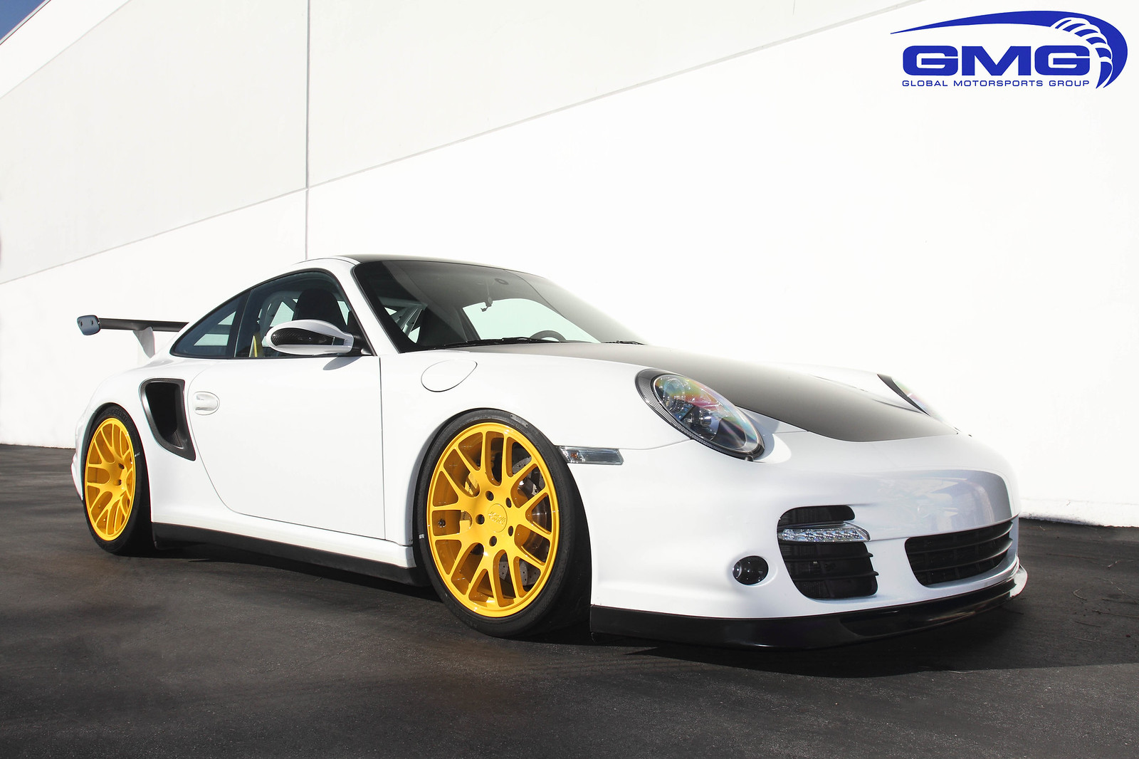 gmg racing wc gt 5 lug mesh forged wheel now available for porsche 997 turbo. Black Bedroom Furniture Sets. Home Design Ideas