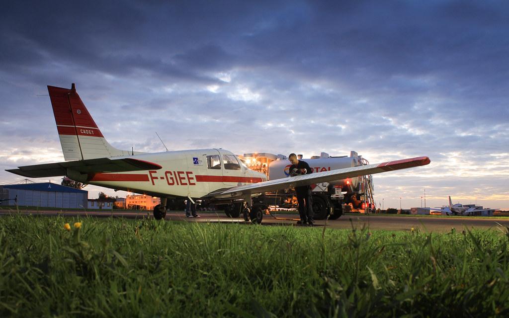 Toussus Le Noble Piper PA28 F-GIEE AFMAé