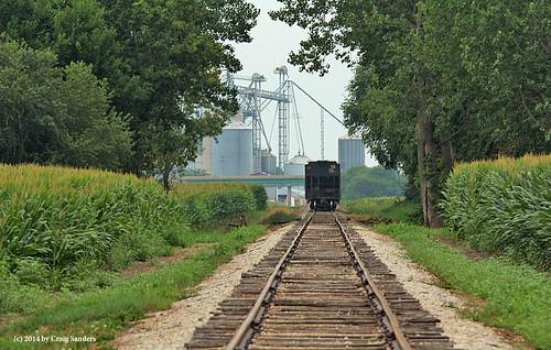 railroadtracks canadiannational grainelevators illinoiscentralrailroad mattoonillinois branchlines graintrains cntrainsonexillinoiscentral cnontheformerillinoiscentral