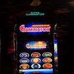Viime viikon suurin Jackpot voitettiin 15.1 automaatista nro. 226. Voittosumma oli 15005€. #CasinoHelsinki #kasinopelit #viikonjackpot