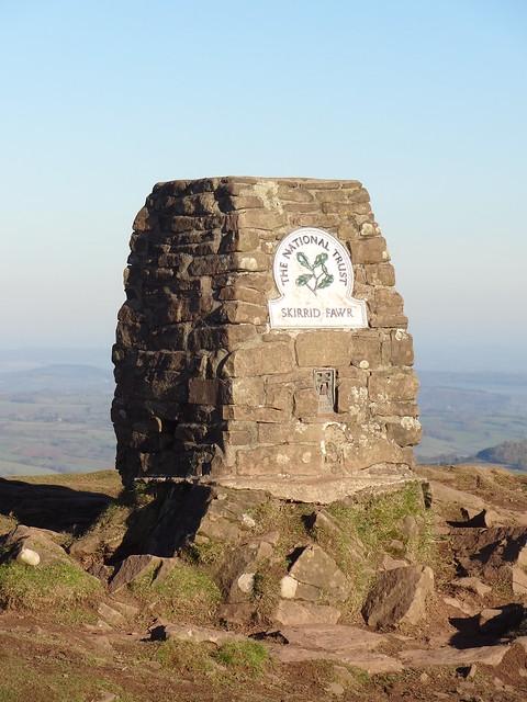 Skirrid / Ysgyryd Fawr (486 m / 1,594 ft): trig point