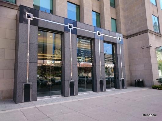 375 University Avenue East