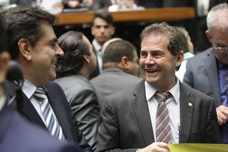 Deputados aprovam PEC dos gastos públicos