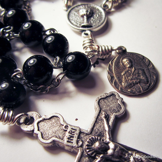 8mm Obsidian Anglican Rosary