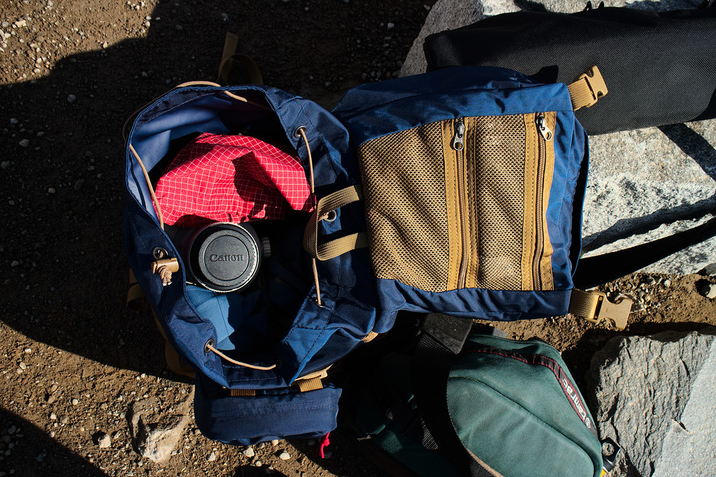 The Tom Bihn Guide's Pack holding a Canon 500mm lens