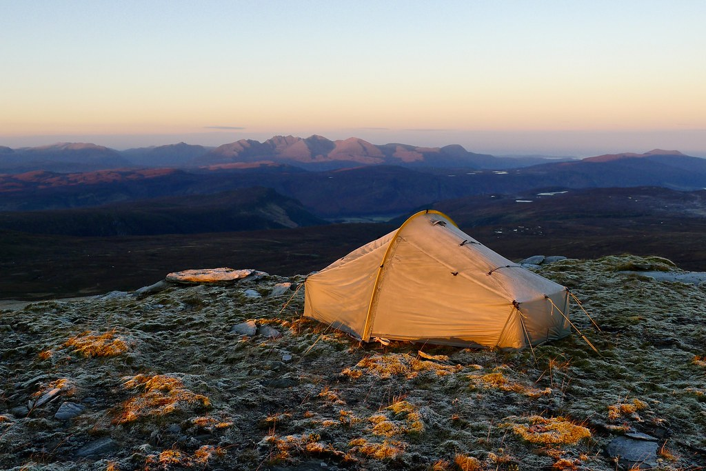 Frosty tent and An Teallach