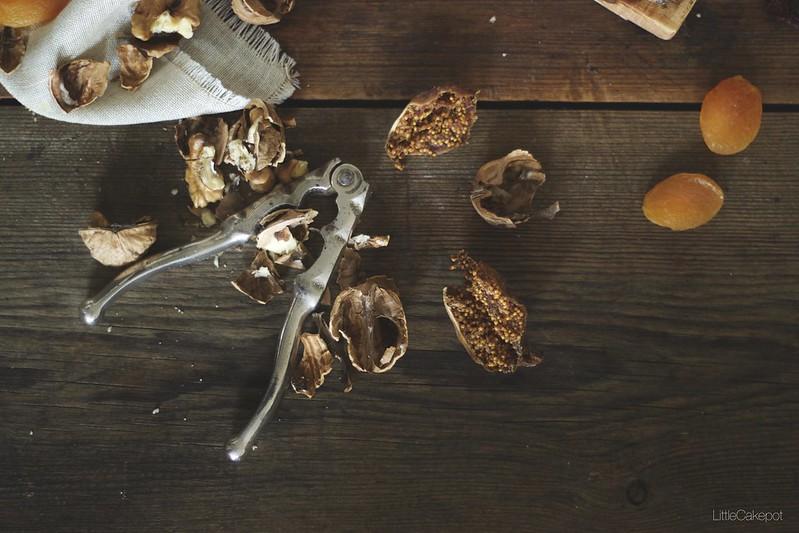 fig and walnuts