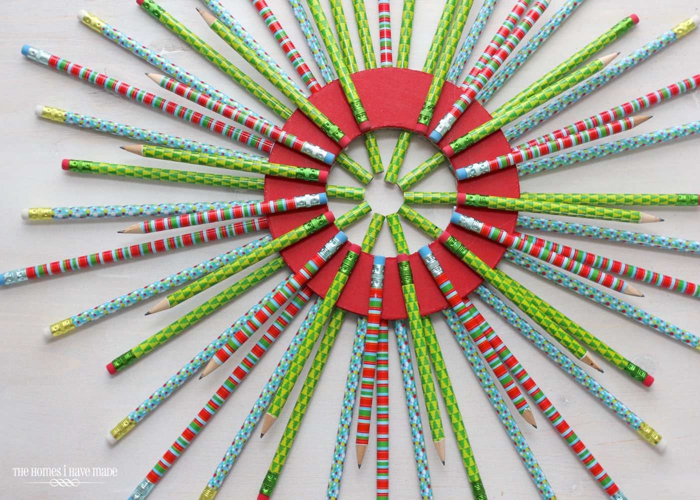Pencil Starburst Wreath-011