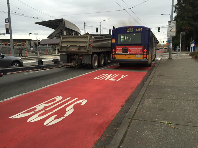 Red bus lane in front of UW Medical Center