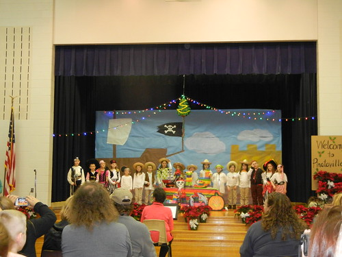 Dec 16 2014 2nd grade Pirates of Pinataville (3)