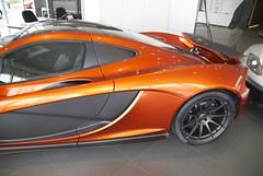 McLaren P1, amber & carbon fibre Palo Alto port aft DSC_0424