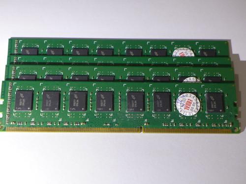 創見 4G DDR3-1333 DRAM