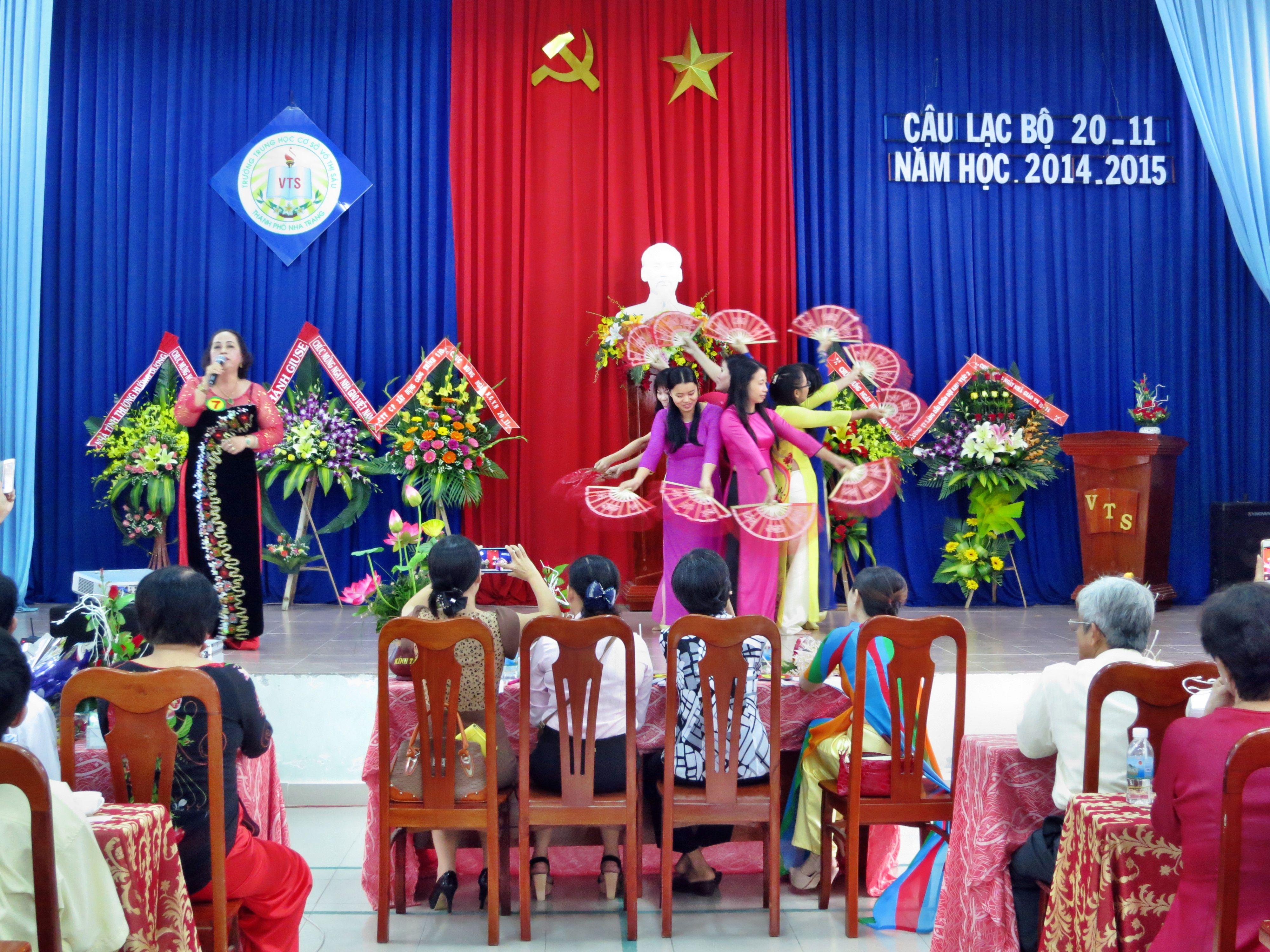 Câu lạc bộ 20/11/2014 Chào mừng Ngày Nhà Giáo Việt Nam