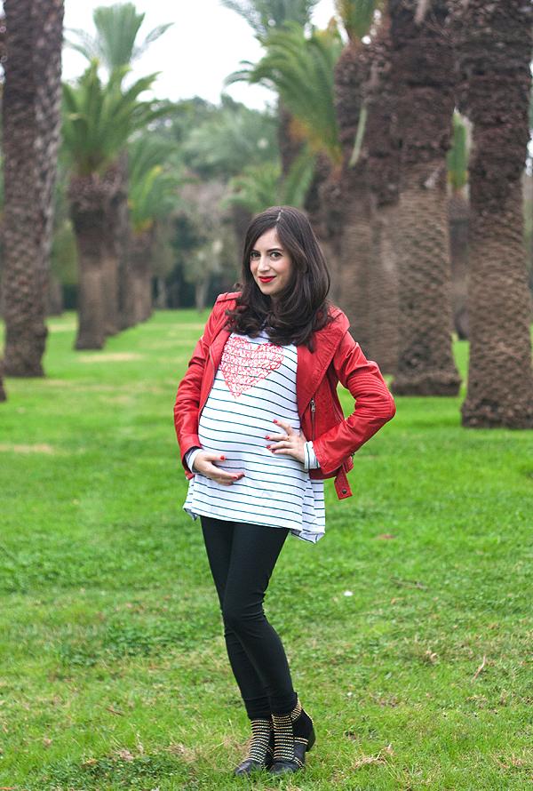 בלוג אופנה, בגדי הריון, אופנת הריון, אבישג ארבל, חולצת פסים, ג'קט אופנוענים, בלוגרית אופנה ישראלית, israeli fashion blogger, maternity style, maternity fashion, style the bump, pregnant blogger, biker jacket, stripe shirt
