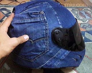 Kaskı eski kot pantolon ile kaplamak