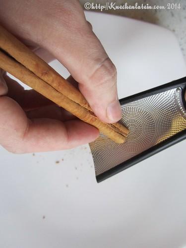 ©John Kabys benutzt Cinnamon Hill Zimtreibe mit Kunststoffgriff