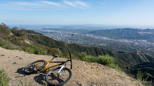 #discoverLA #bikeLA #dirtlife #bikelife  #outdoors #nature #mtb #mountainbiking #mountains #LosAngeles